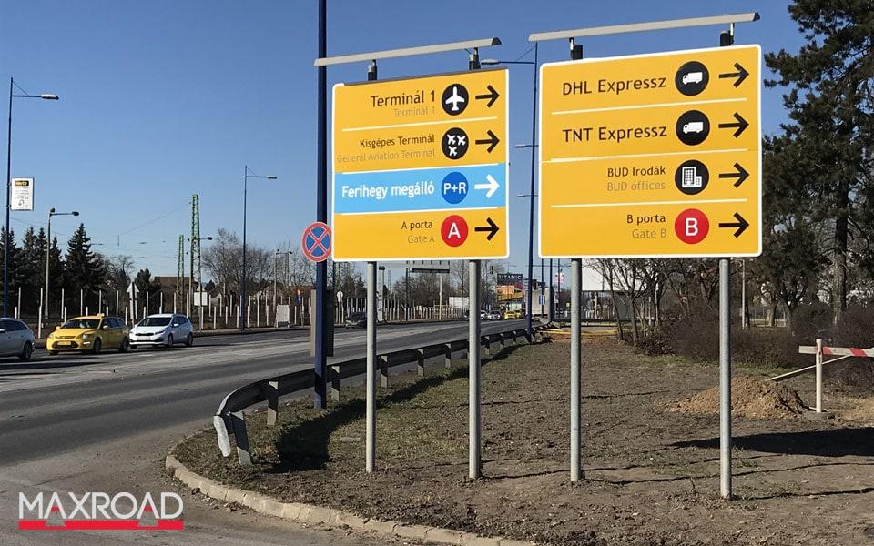 Reptér útbaigazító információs táblái