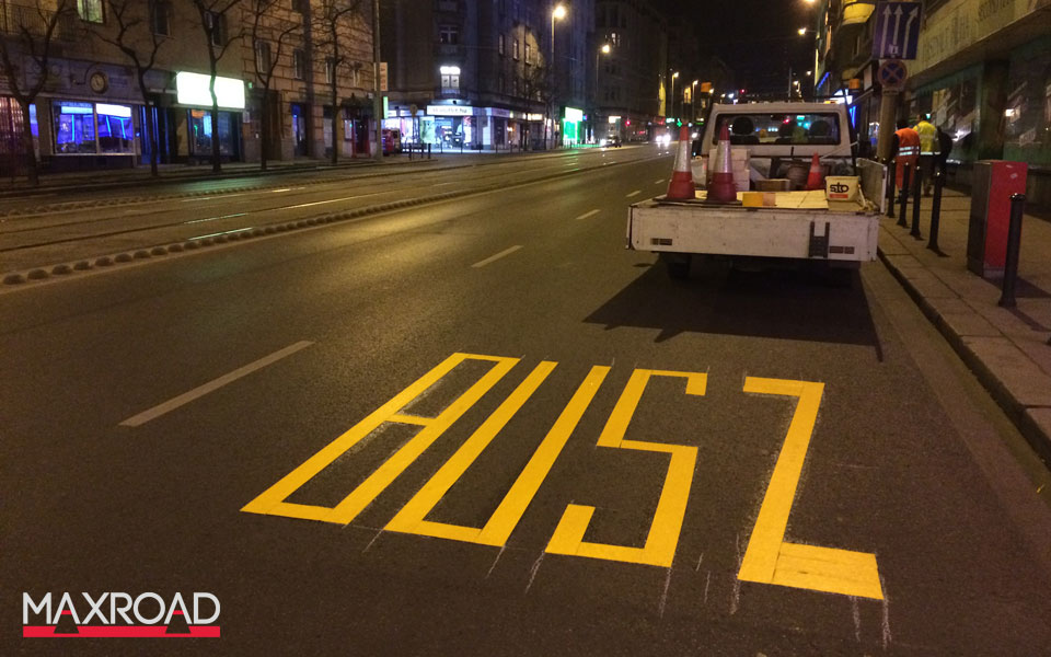 ideiglenes busz jel